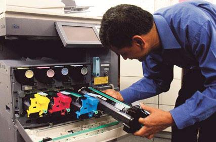 ¿Cuándo debo ir al servicio técnico de fotocopiadoras?